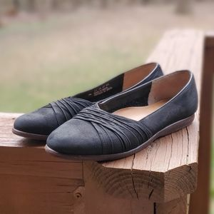 ie Nike |  Black Suede Ballet Flats ⭐ Size 7